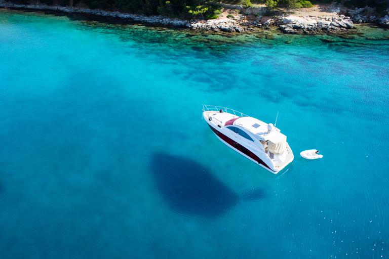 Sumner Labs Plastic Cleaner Uses Marine Yacht